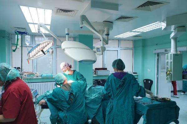 sala-operatii-mica-ch-plastica-1B11D4342-2BBC-A39E-CA7F-2DFFE779902C.jpg